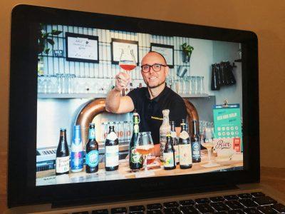 Biersommelier Karsten Morschett bei einer virtuellen Bierprobe