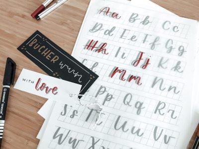 Papier mit Buchstaben gestaltet